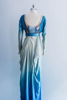 1900s silk dress (back view)