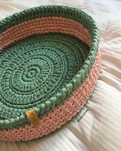 23 Clever DIY Christmas Decoration Ideas By Crafty Panda Crochet Bowl, Crochet Diy, Crochet Basket Pattern, Crochet Quilt, Crochet Stitches, Crochet Patterns, Cotton Cord, Crochet Decoration, Finger Knitting
