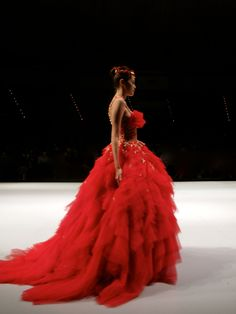 [IFW2013] Painting the town RED at Indonesia Fashion Week