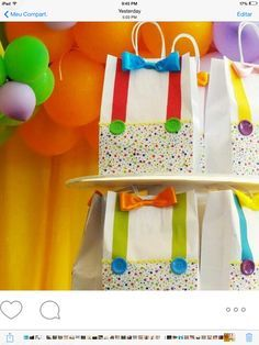 Party favor bags for a circus birthday party Clown Party, Circus Carnival Party, Circus Theme Party, Carnival Birthday Parties, Circus Birthday, First Birthday Parties, Birthday Party Themes, Birthday Party Favors, Birthday Ideas