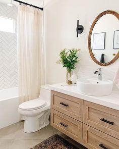 Design: @littlehouseontheave Romantic Home Decor, Unique Home Decor, Cheap Home Decor, Indian Home Interior, Luxury Homes Interior, Interior Design, Cabinet Fronts, Cheap Bathrooms, Home Decor Accessories