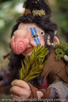 OOAK criatura fantástica mascota duende curandera por GoblinsLab