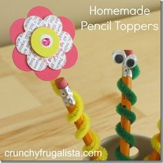 Homemade pencil toppers - Easy Diy Home Decor Easy Crafts For Kids, Summer Crafts, Cute Crafts, Diy Crafts, Pencil Topper Crafts, Pencil Crafts, Pen Toppers, Fete Ideas, Back To School Crafts
