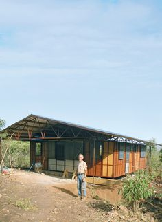 Resembling in form and function ancestors such as Jean Prouvé's prefab Tropical House, Architect Fred Friedmeyer's prefab…