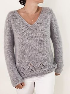 The Evermore Sweater Knitting pattern by caidree – Knitting patterns, knitting designs, knitting for beginners. Christmas Knitting Patterns, Sweater Knitting Patterns, Knitting Designs, Knit Patterns, Débardeurs Au Crochet, Black And White Outfit, Cashmere Color, Knitting Blogs, Knitting Ideas