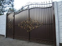 Кованые ворота Steel Gate Design, Front Gate Design, Main Gate Design, House Gate Design, Door Gate Design, Aluminium Gates, Metal Gates, Wrought Iron Gates, Indian Interior Design
