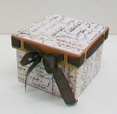 caja decorada con papel scrap