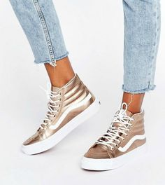 Currently Obsessed With: Rose Gold Sneakers http://thecurvyfashionista.com/2017/02/rose-gold-sneakers/   Tired of the plain black or white sneaker? Want to add a new look amp up your sneaker game? Try adding some rose gold to your wardrobe. We found 7 Rose Gold sneakers you can rock right now.