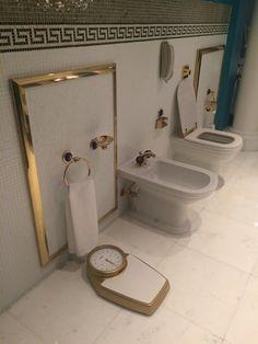 Burj Al Arab Hotel Tour (gold plated bathroom in the rooms) Photographer: Mashael Al Fardan Shiplap Bathroom, Bathroom Interior, Master Bathroom, Black And White Tiles Bathroom, Burj Al Arab, Shower Units, Bathroom Pictures, Bathroom Wallpaper, Beautiful Hotels