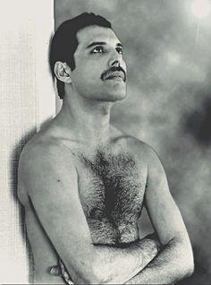 Freddie Mercury. ☀