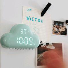 Type: Alarm Clocks  Diameter: 180mm  Length: 130mm  Motivity Type: Digital  Screen Type: LED  Width: 40mm  Display Type: Digital  Shape: Geometric  Style: Modern  Form: Single Face  Material: Plastic  Function: Snooze Function  Feature...