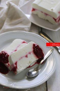 Semifreddo allo yogurt e lamponi