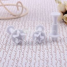 Little Star Pattern Cake and Cookies Cutter Mold with Spring Plunger (3 PCS) http://www.shareasale.com/m-pr.cfm?merchantID=51900&userID=1014066&productID=558449472
