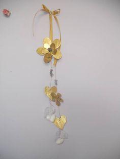 Χειροποίητη κρεμαστή μπομπονιέρα από ορείχαλκο Metal Crafts, Christmas Diy, Charms, Gold Necklace, Ornaments, Jewelry, Crafting, Gold Pendant Necklace, Jewlery