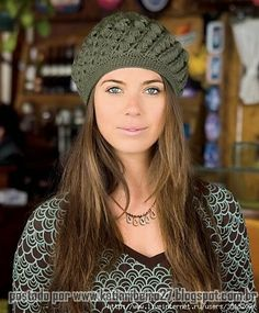 Katia Ribeiro Moda & Decoração Handmade: Boina em crochê com gráfico