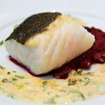 Skrei med rødbetpuré og beurre blanc fra matbloggen Heia Mat