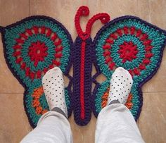 tapetes tejidos a crochet ovalados - - Yahoo Image Search Results Crochet Butterfly Pattern, Crochet Rug Patterns, Crochet Quilt, Love Crochet, Crochet Doilies, Crochet Lace, Crochet Stitches, Knitting Patterns, Blanket Crochet