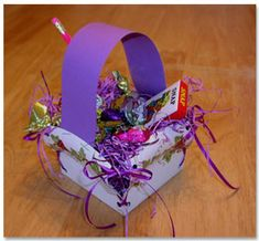 Paper Plate Easter Basket. Tutorial at: http://www.pinterest.com/search/pins/?q=paper%20plate%20easter%20basket