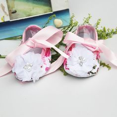 $4.37 (Buy here: https://alitems.com/g/1e8d114494ebda23ff8b16525dc3e8/?i=5&ulp=https%3A%2F%2Fwww.aliexpress.com%2Fitem%2FCheap-Baby-shoes-ballerina-Sapatos-Baby-infant-girls-shoes-soft-bottom-shoes-designer-baby-shoes-flower%2F32488041824.html ) Size 11-13 2015 New style Branded baby shoes for kids;Deer newborn baby girl shoes ballerina for prewalker;sapatos menina for just $4.37