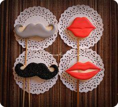 {Katie's Something Sweet}: Mustache Cookie Pops - Lips Cookie Pops