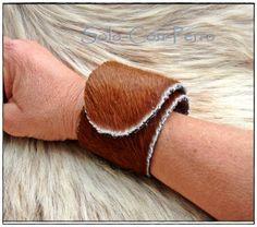 ° TRAMUNTANA No. 1 ° Klack-Armband Kuh Fell Leder  von °  Solo-Con-Perro ° auf DaWanda.com