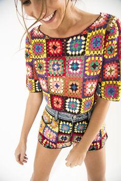 A look from Farm Rio. Crochet Granny, Crochet Yarn, Crochet Stitches, Knit Crochet, Crochet Patterns, Custom Clothes, Diy Clothes, Crochet Lingerie, Crochet Woman