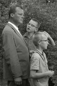 Max Scheler  Berliner Bürgermeister Willy Brandt mit seinen Söhnen, Berlin, Germany  1961