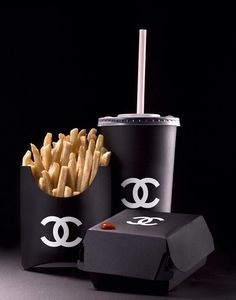 To know more about CHANEL CHANEL BURGER SET, visit Sumally, a social network that gathers together all the wanted things in the world! Featuring over other CHANEL items too! Coco Chanel, Chanel Beauty, Chanel Fashion, Chanel Black, Fashion Art, High Fashion, Fashion Outfits, Mcdonalds, Chanel Wallpapers
