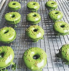 Matcha March is about to blow your mind! Match Green Tea Donuts — The Jewels of New York Donut Recipes, Tea Recipes, Kitchen Recipes, Dessert Recipes, Cooking Recipes, Mini Donuts, Baked Donuts, Doughnut, Matcha Dessert