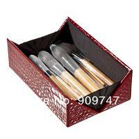 2013 nuevo !! CALIENTE , Profesional 24 componen las herramientas de pincel maquillaje Tocador de maquillaje Lana Kit Marca cepillo conjunto con la caja de bambú de la parte superior