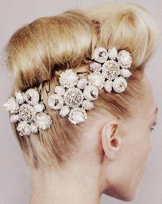 skaodi:  Chanel Haute Couture Spring 2008 details.