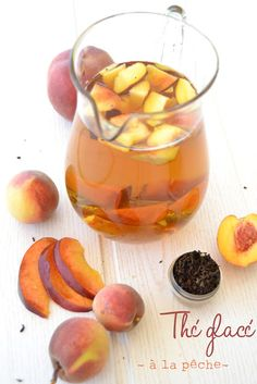 1 Liter Eistee mit Pfirsich (in 1 Krug) Yummy Drinks, Healthy Drinks, Yummy Food, Healthy Recipes, Free Recipes, Homemade Iced Tea, Healthy Detox, Water Recipes, Fresco