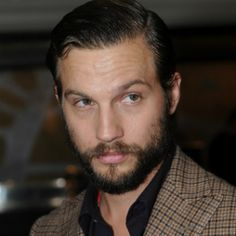 It's the question you'll be asking yourself a lot this summer: Is that Tom Hardy or Logan Marshall-Green? The actors -- aged 34 and respectively -- a. Logan Marshall Green, Different Beard Styles, Mixed Guys, Art Of Seduction, Dapper Dan, Wife And Kids, Handsome Faces, Raining Men, Famous Men