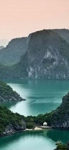 Beautiful Vietnam • photo: Threeland Travel