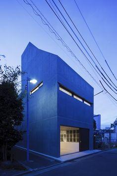 Grow House by APOLLO Architects & Associates http://www.homeadore.com/2013/01/10/grow-house-apollo-architects-associates/