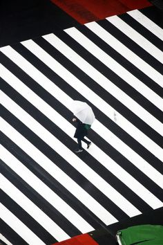 Photography Series, Drone Photography, Image Photography, Passage Piéton, Street Photography People, Zebra Crossing, Epic Art, Black And White Portraits, Work Inspiration