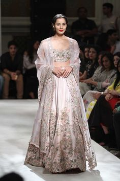 Anamika khanna bridal lehenga design Ideas for 2019 Anamika khanna bridal lehenga design Ideas for 2019 Anarkali Bridal, Indian Bridal Lehenga, Pakistani Outfits, Indian Outfits, Ethnic Fashion, Asian Fashion, Indian Attire, Indian Wear, Indian Style