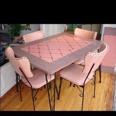 Laminate Dinette Set Dining Room Tables Images 25 - Home Interior Design Ideas Kitchen Retro, Vintage Kitchen, Vintage Pink, Vintage Decor, Vintage Style, Mesa Retro, Home Interior, Interior Design, Dinette Sets