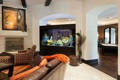 Large aquarium separating rooms