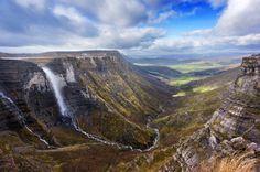 El Salto de agua más grande de España http://www.escapadarural.com/blog/el-salto-de-agua-mas-grande-de-espana/