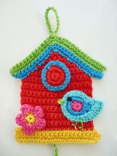 Crochet Birds, Crochet Flower Patterns, Cute Crochet, Crochet Designs, Crochet Flowers, Crochet Toys, Knit Crochet, Crochet Garland, Crochet Decoration