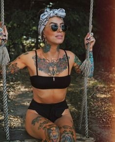 zen af 🧘♀️ [for the next 12 hrs] Tattoed Women, Tattoed Girls, Inked Girls, Bandeau Bikini, Bikini Tops, Hot Tattoos, Girl Tattoos, Tatoos, Ladies Tattoos