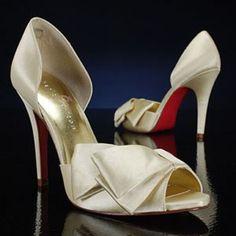 http://wmine.com/wp-content/uploads/2011/03/paris-hilton-suarey-ivory-Designer-Bridal-Shoes-300x300.jpg