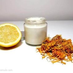 This homemade wrinkle cream is fantastic, it's perfect for tackling any ageing effects on the skin, it's very easy to make and considerably cheaper than store-bought anti wrinkle creams. Face Scrub Homemade, Homemade Face Masks, Homemade Skin Care, Anti Wrinkle, Wrinkle Creams, Homemade Acne Treatment, Anti Aging Treatments, Aging Cream, Skin Care Tips