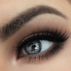 """Chocolate Bar Palette. """"Salted Carmel"""" As my transition color.took """"Milk Chocolate"""" into the crease/socket of my eye. I added """"Semi-Sweet"""" to the crease as well to give depth. """"Triple Fudge was used on the Outer V and lower lash line.. Blended bottom lash line with """"Salted Caramel"""" as well, smoked it out. """"White chocolate"""" was added as my brow bone highlight. For my lid color & lower lash line """"Scout"""" from the @anastasiabeverlyhills catwalk palette, wet"""