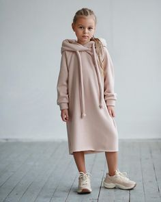 Image may contain: 1 person, shoes Little Girl Outfits, Kids Outfits Girls, Little Girl Fashion, Little Girl Dresses, Toddler Fashion, Kids Fashion, Moda Kids, Stylish Kids, Kids Wear