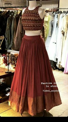 Choli Designs, Lehenga Designs, Half Saree Designs, Indian Gowns Dresses, Indian Fashion Dresses, Dress Indian Style, Indian Designer Outfits, Indian Lehenga, Indian Wedding Outfits
