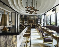 Vogue Lounge abre as portas em Bangkok com menu irresistível - I really like the individual vertical marble slabs. - DAVID COLLINS