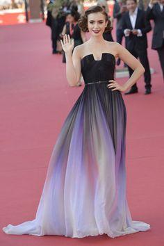 カラフルシフォンがエレガントなリリー・コリンズのドレス♡海外セレブ風パーティーのドレスコーデ♡スタイル・ファッションの参考に♪