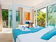 www.blueapart.pl Outdoor Furniture, Outdoor Decor, Sun Lounger, Interior Design, Blue, Home Decor, Nest Design, Chaise Longue, Decoration Home